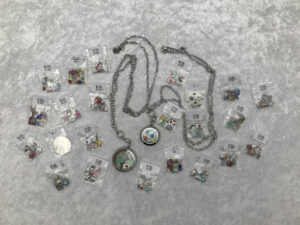 Glasmedaillons & Charms